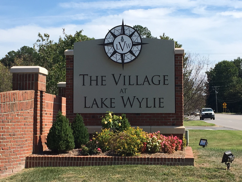 The Village at Lake Wylie Monument Sign