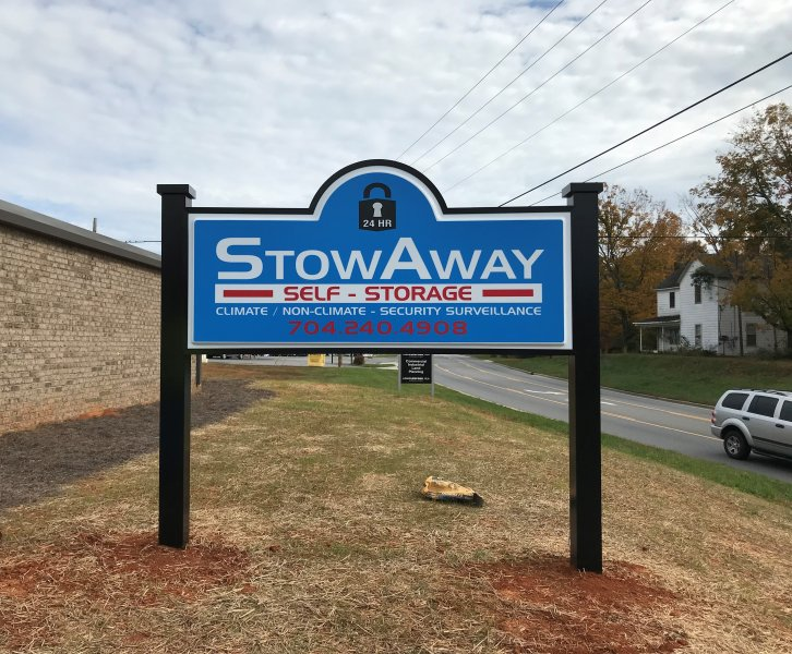 Monument Sign for Stowaway of Lincolnton, NC