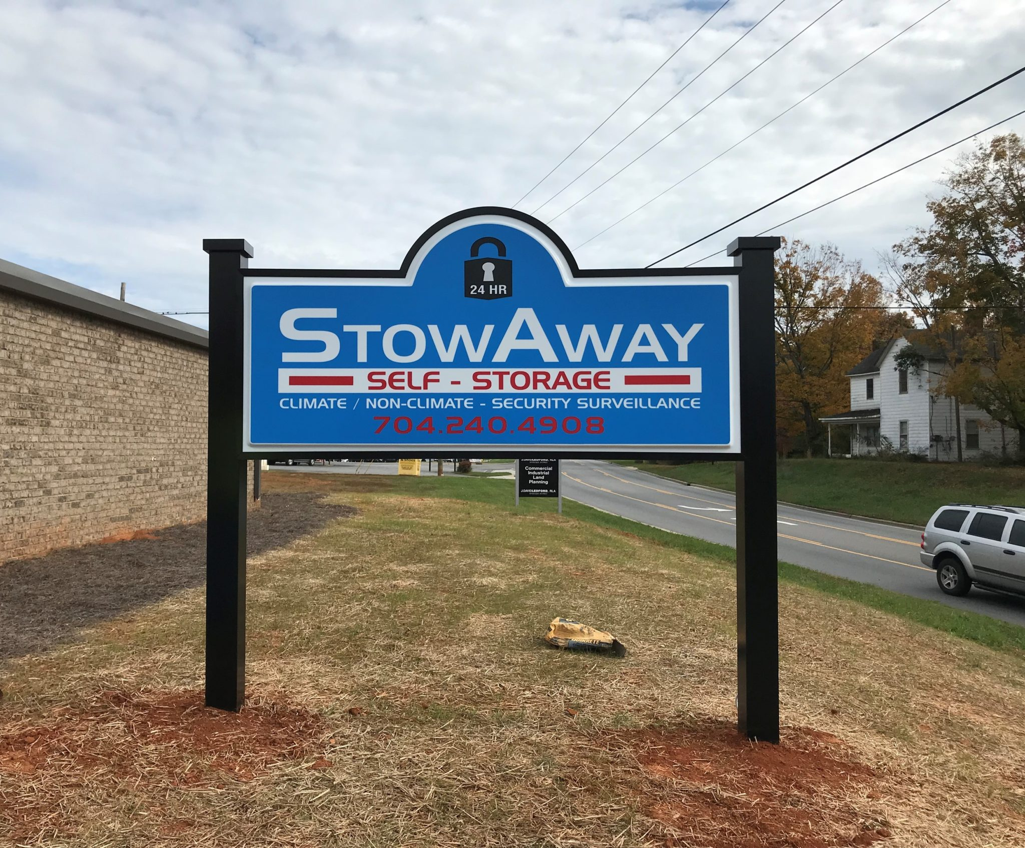 monument signs, monument signs charlotte, signs charlotte, signs nc, logo signs, business signs, logo signs, custom made signs,